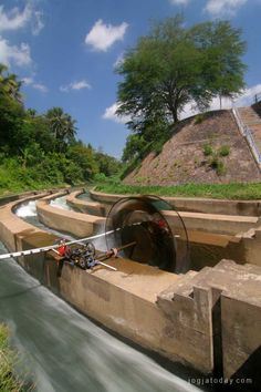 Water Turbin function in Bendungan Ancol, Kalibawang, Kulonprogo, Yogyakarta, Wed (24/6)- rovitavare for jogjatoday.com
