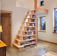 Escada/ estante personalizada com design do Tiny House Stairs, Loft Stairs, Woodworking Projects Diy, Woodworking Plans, Woodworking Videos, Wood Projects, Attic Rooms, Staircase Design, Stair Design