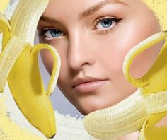 Banana Mask replaces botox and faceliftWhen we grow older, in addition to becoming wiser, our age starts to become more apparent. After the age of 30 fine wrinkles around the mouth and eyes appear with each passing minute. This makes us crazy and makes us think about whether we need a plastic surgery, such as Botox injections to smooth the annoying wrinkles.