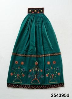 DigitaltMuseum - Österåkersdräkt Folk Costume, Costumes, Swedish Fashion, Scandinavian Art, Clothing And Textile, Swedish Design, How To Purl Knit, Traditional Outfits, Sweden