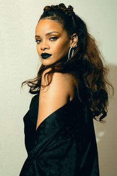 Rihanna. love the hair!