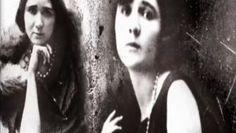 Figura singular da poesia portuguesa, Florbela Espanca traduziu em versos a vida infeliz que teve e que decidiu terminar no dia do 36.º aniversário. A sua obra contém alguns dos mais belos sonetos de sempre, como estes que dedicou a amigas e discípulas.