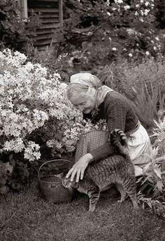 Tasha Tudor - woman and cat