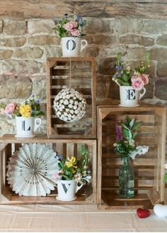 Apple crates, love and flowers - Gorgeous
