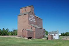 Alberta's Wooden Country Grain Elevators Grain Storage, Barns Sheds, Ben Carson, Heavy Machinery, Paradise Valley, Our World, Country Life, Grains, Mansions
