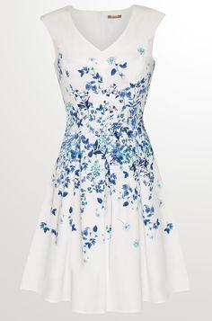 Ärmelloses Kleid in Glockenform