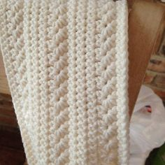 Free pattern, would make a great blanket or pillow pattern #CrochetScarf