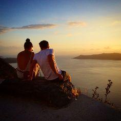 #Romance #Love #Sunset #Santorini #Greece  Photo credits: @oak77uk