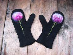 Noir en laine de mérinos mitaines douces avec des gants fleur pissenlit mitaines femme mitaines gants d'hiver - fait à la main à l'ordre de bras feutrée