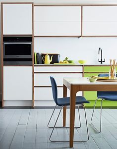 5 Ways to Optimize the Single Wall Kitchen Layout — Renters Solutions - Apartment Therapy Main Decor, Kitchen Layout, New Kitchen, One Wall Kitchen, Modern Kitchen Design, Simple Kitchen Design, Home, Contemporary Kitchen, Interior