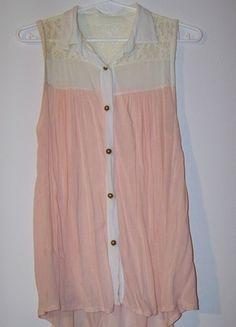 Kup mój przedmiot na #vintedpl http://www.vinted.pl/damska-odziez/koszulki-na-ramiaczkach-koszulki-bez-rekawow/11647264-rozowa-bluzka-z-koronka-na-ramiaczkach-biala