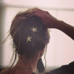 Glittery star hair pins