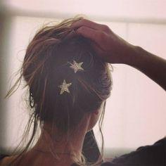 Glittery star hair pins