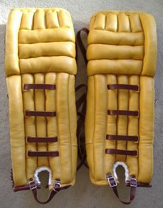 New goalie pads made in the vintage style Goalie Pads, Goalie Gear, Hockey Goalie, Hockey Games, Montreal Canadiens, Ken Dryden, National Hockey League, Good Ol, Hot Dog Buns