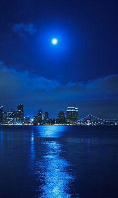 San Diego, California http://www.stopsleepgo.com/vacation-rentals/san-diego/san-diego/california/united-states