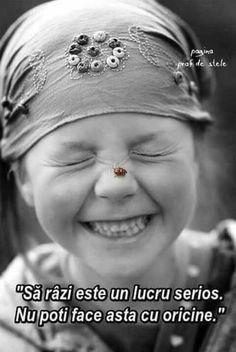 Beautiful smile and sweet ladybug. Happy Smile, Smile Face, Your Smile, Make You Smile, Happy Faces, Smiling Faces, Happy Heart, I'm Happy, Beautiful Smile