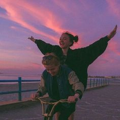 couple aesthetic Fem Energy by teenagetrash Couple Aesthetic, Summer Aesthetic, Aesthetic Pictures, Best Friend Pictures, Friend Photos, Cute Relationship Goals, Cute Relationships, Cute Couples Goals, Couple Goals