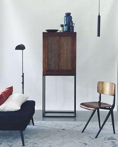 Home Fashion, Nightstand, Living Room, House Styles, Glad, Furniture, Interior Design, Home Decor, Nest Design
