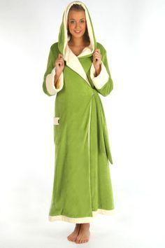 """Wellnessmantel / Saunamantel """"Charmant"""" in grün-creme - figurtbetont, schlanke Silhouette - flache Kapuze trägt nicht auf - wandelbares Dekolletee - verschließbarer Kragen - besonders lang geschnitten - doppelt gewalkter Frottierstoff - kuschelig, weicher Nickystoff - Sichtnähte innen versteckt - 1 Tasche außen - Schnürbänder fest eingenäht - besonders stabiler Aufhänger"""