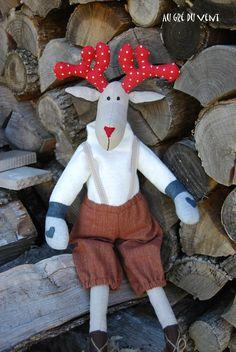 Oui oui Noêl arrive à grands pas .......pas de temps à perdre ! Je vous présente Rudolph une élan bien sympathique . Heuuuuu excusez...