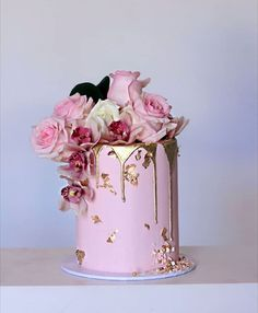 The drip cake is not dead just yet. Christening cake for a little girl, from the weekend Elegant Birthday Cakes, 21st Birthday Cakes, Happy Birthday, Pretty Cakes, Beautiful Cakes, Amazing Cakes, Christening Cake Girls, One Tier Cake, Tall Cakes