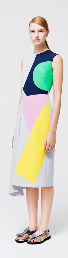 Roksanda Resort 2015 Fashion Show - Ieva Palionyte Moda Fashion, Runway Fashion, High Fashion, Fashion Show, Womens Fashion, Fashion Design, Vogue Fashion, Sport Fashion, Fashion Colours
