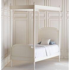 Lovely Louis Canopy Bed