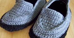 I wanted to make my brother some slippers for his birthday but couldn't find a pattern I liked, free or otherwise. So, I came up with my own...