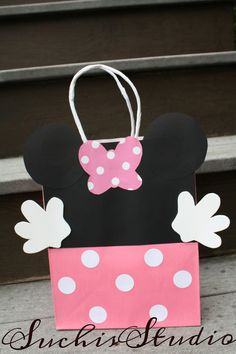 Minnie Mouse Goody bags at https://www.etsy.com/listing/192448141/minnie-mouse-goody-bagsminnie-mouse