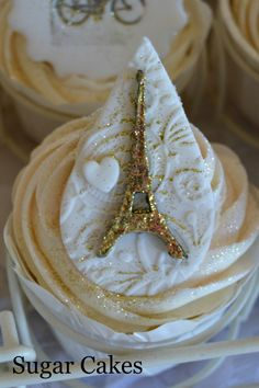 Eifeltower on cupcakes - loved making this
