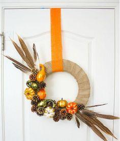 Rustic Amish DIY Fall Wreath   AllFreeHolidayCrafts.com