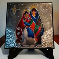 Nacimiento repujado en aluminio con falso vitral Nativity Ornaments, Christmas Nativity Scene, Nativity Scenes, Tin Foil Art, Tin Art, Aluminum Foil Crafts, Metal Crafts, Pewter Art, Pewter Metal