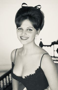 Claudia Very beautiful and sexy woman pinteres Claudia Cardinale, Classic Actresses, Female Actresses, Beautiful Actresses, Hollywood Stars, Classic Hollywood, Old Hollywood, Cristina Hendrix, Sicilian Women