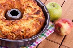 2 apple stevia recipes: Apple cake and apple crumble Apple Cake Recipes, Apple Desserts, Cookie Desserts, Dessert Recipes, Bulgarian Desserts, Bulgarian Recipes, Food Cakes, Cupcake Cakes, Cupcakes