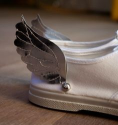 DIY: Add wings to your shoes and fly!