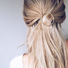 Circle hair clip | http://www.setteroftrends.com #hairstyles #hairtrends #hair