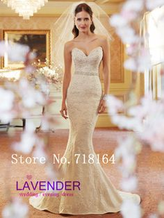 Vintage look luxury embroidery wedding dress.