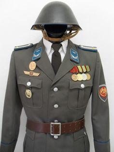 NVA grenztruppen gefreiter dienstuniform. Wer die Dienstgrade der NVA nicht kennt sollte auf eine Beschreibung verzichten!