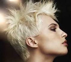Risultati immagini per capelli corti immagini e foto