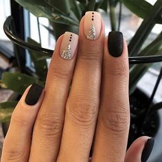 Want some ideas for wedding nail polish designs? This article is a collection of our favorite nail polish designs for your special day. Cute Nail Art Designs, Short Nail Designs, Nail Polish Designs, Nails Design, Gel Polish, Jennifer Nails, Fail Nails, Wedding Nail Polish, Gel Nagel Design