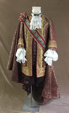 1700 Luis XIV baroque- costume for men 17th Century Fashion, 18th Century, Dinner Outfits, Gala Dinner, Baroque Fashion, Gothic Fashion, Moda Fashion, Long Jackets, Historical Clothing