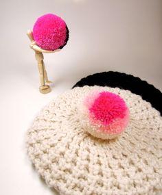 1 XL handmade woolen bobble 3 colors - Large handemade pom pom - Oversized pom poms - XL Yarn balls - Large yarn balls - Handmade pompoms UK