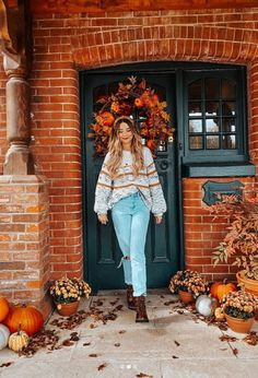 Autumn doorscapes are the new homeware craze you never knew you needed – just ask Stacey Solomon, Laura Whitmore and Zoe Sugg - autumn fashion Zoella Outfits, Selfies, Stacey Solomon, First Day Of Autumn, Laura Whitmore, Zoe Sugg, Autumn Aesthetic, Autumn Cozy, Seasons Of The Year
