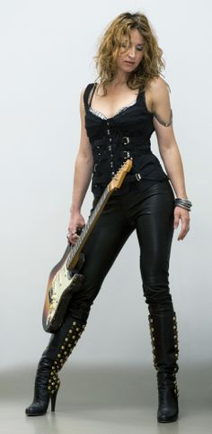 Ana Popovic ... This is one of my all time favorite music related pix!!!!!!!!!!