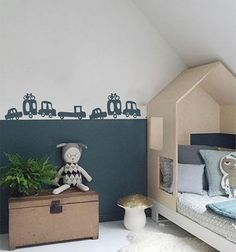 Boy's room with car wall sticker babybedroom . - Jongenskamer met auto muursticker babybedroom Boy's room with car wall sticker babybedroom