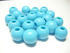 20 türkisfarbene Kunststoffperlen mit 3mm Bohrung Durchmesser ca. 10mm