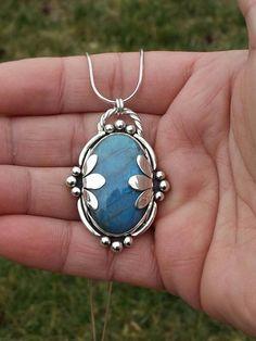 Metal Clay Jewelry, Pendant Jewelry, Jewelry Necklaces, Pendant Necklace, Jewelry Crafts, Jewelry Art, Jewelry Accessories, Gothic Jewelry, Fine Jewelry