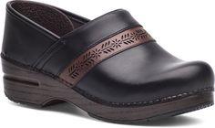 The Penny Clog by Dansko in Black Full Grain Leather. #danksoPenny #clogs #danskoclogs #shoes #black #justyourfavorites #dansko
