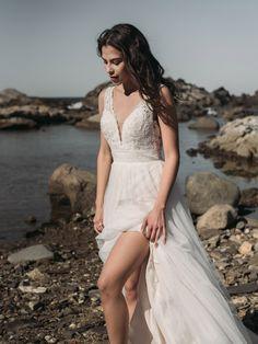 FARA SPOSA White Dress, Boho, Wedding Dresses, Fashion, Sleeved Wedding Dresses, White Gowns, Boyfriends, Elegant, Style