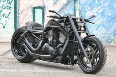 Now THAT is a Bike....So aggressive and horney...best in Black.  Awesome.